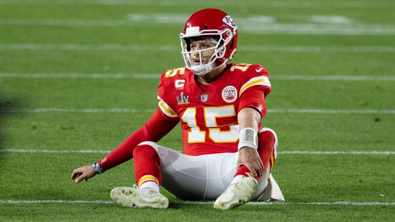 Mahomes 'ahead of schedule' after toe surgery thumbnail
