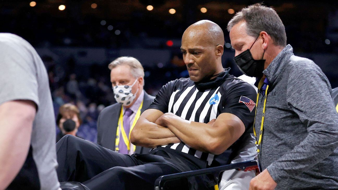Referee alert after collapsing on sideline during Gonzaga-USC Elite Eight game – ESPN