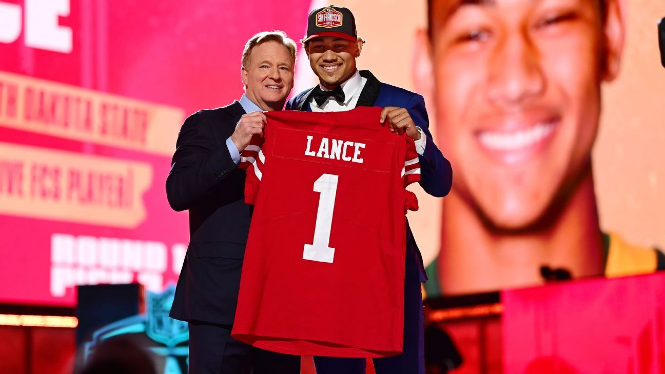 Niners take QB Lance but want Jimmy G to stay thumbnail