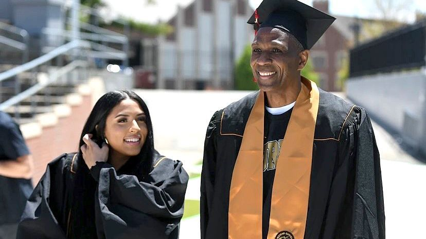 Four-Time Super Bowl Champion Keena Turner Graduates from Purdue University With His Daughter 41 Years After Leaving College for NFL