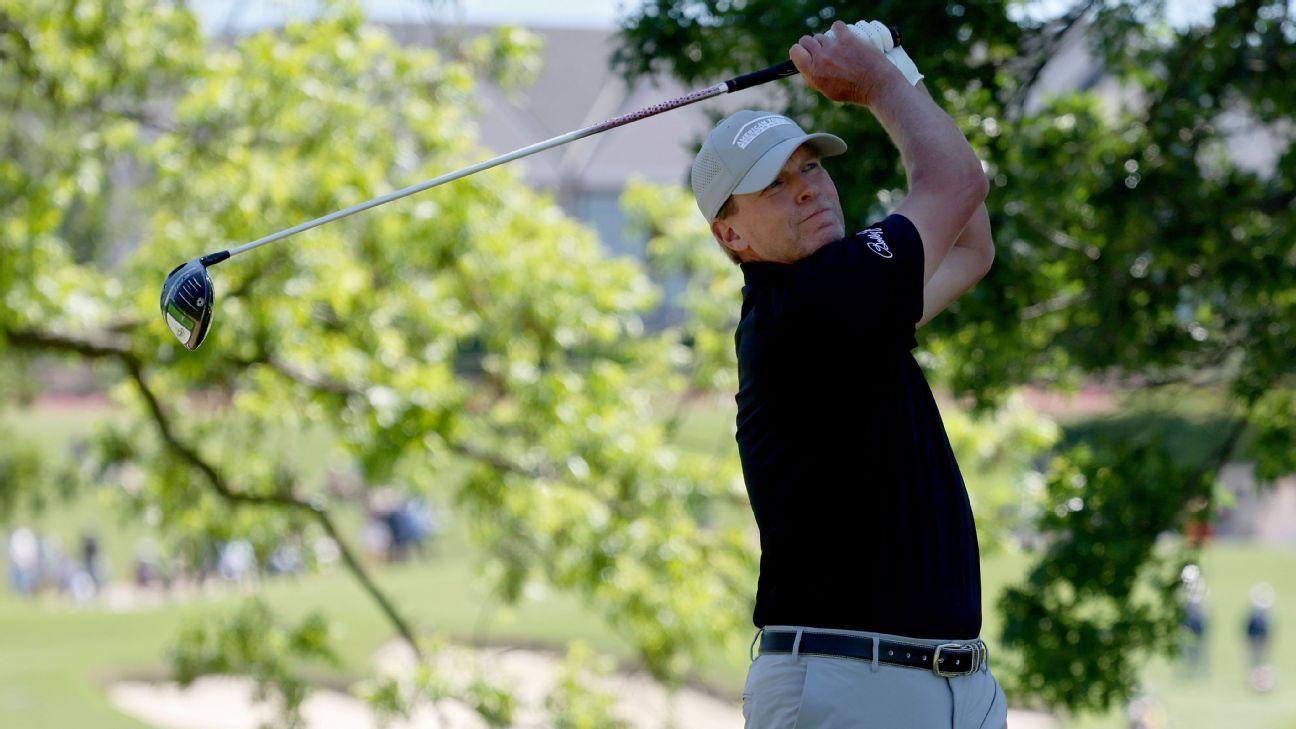 Stricker takes Senior PGA lead as Weir stumbles