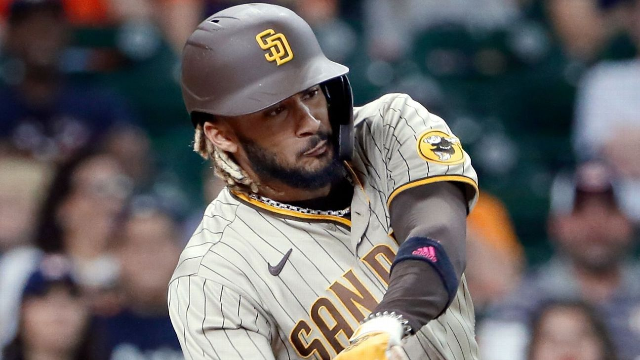 Padres to 'go day-to-day' with SS Tatis (oblique) thumbnail