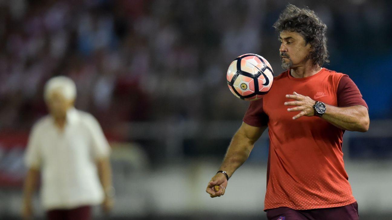 Leonel Álvarez le abrió las puertas a la posibilidad de dirigir a Atlético Nacional