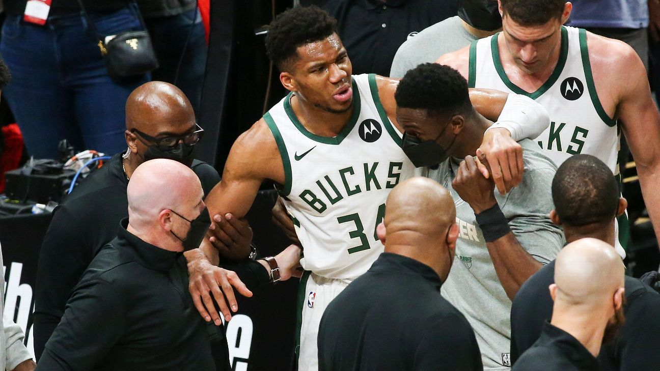 Giannis exits Bucks' loss with hyperextended knee thumbnail
