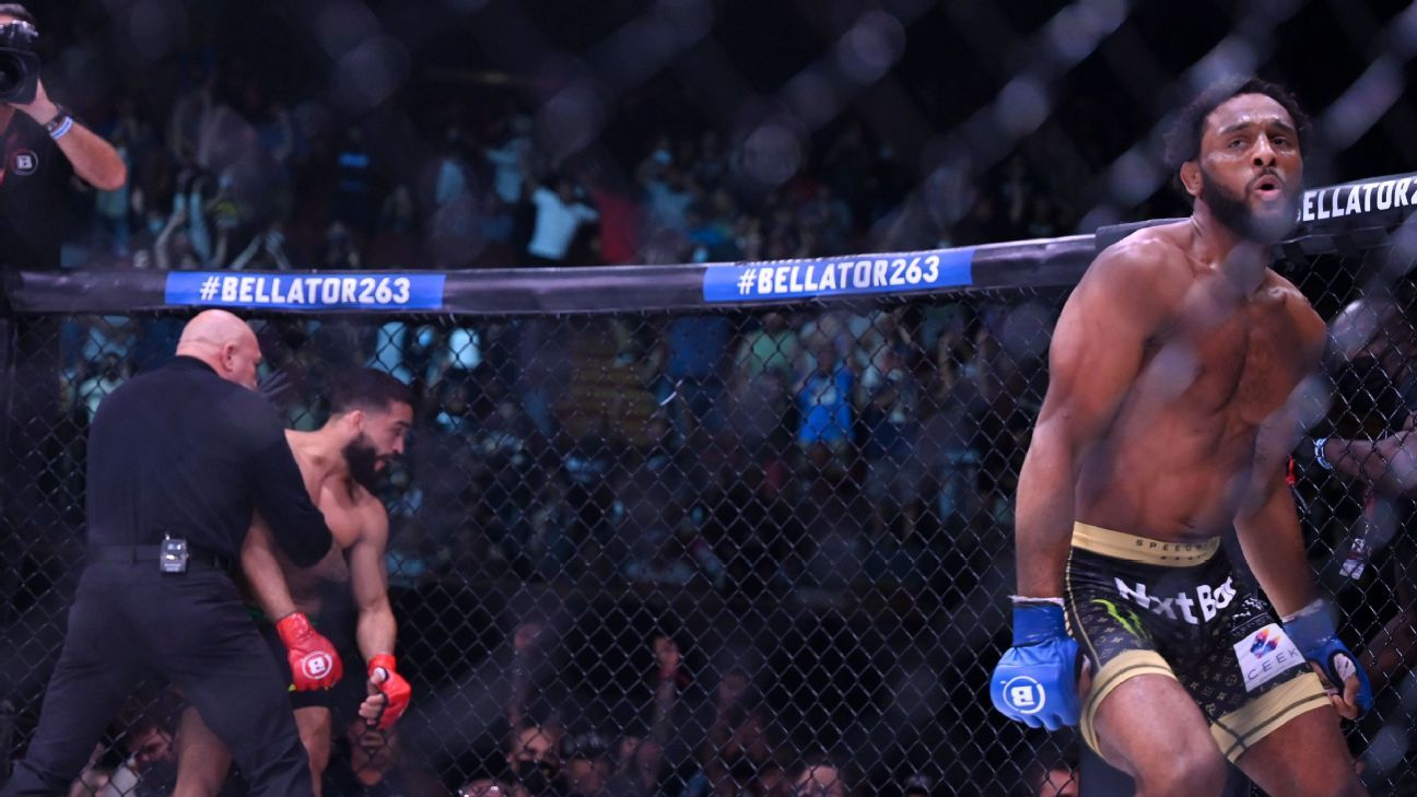 McKee submits 'Pitbull' in 1st to win Bellator title