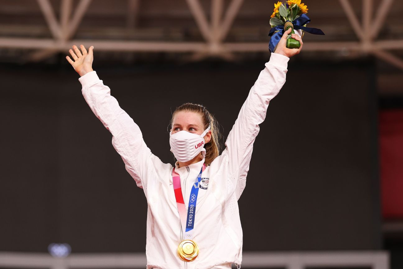 Valente wins gold in women's cycling for U.S. thumbnail
