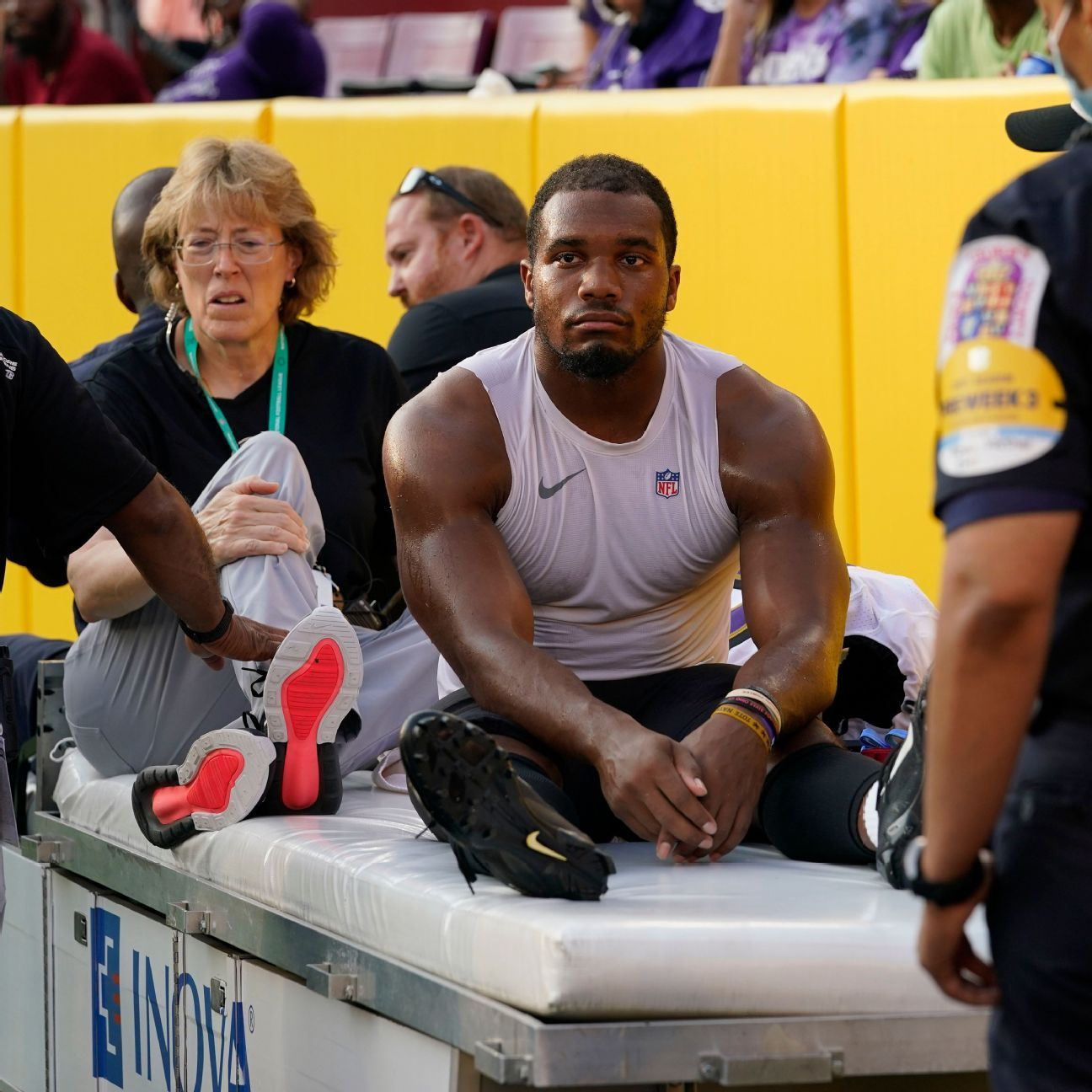 Ravens' Harbaugh defends use of RB Dobbins thumbnail