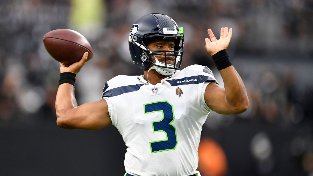 Sources -- Russell Wilson's doctors believe Seattle Seahawks QB has realistic chance to return in 4 weeks