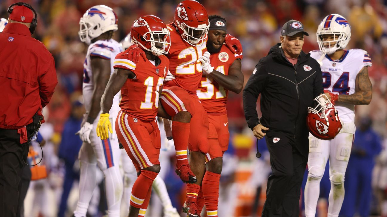 MCL sprain to sideline Kansas City Chiefs RB Clyde Edwards-Helaire 'a few weeks,' source says