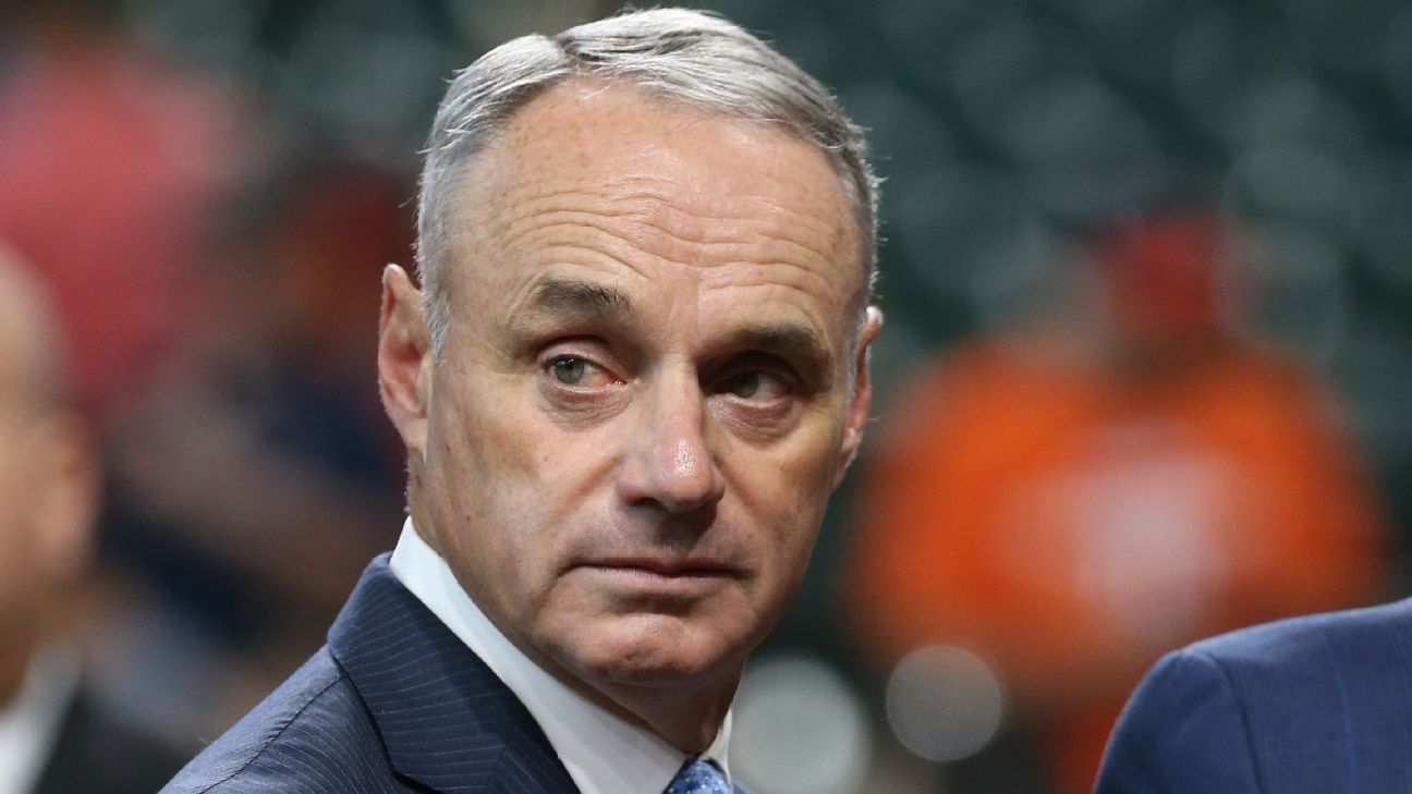 Manfred pledges to weave baseball into recovery