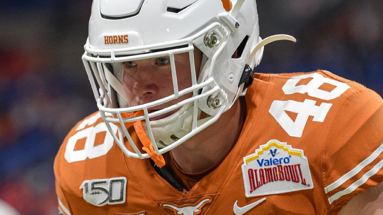 Police: Texas LB Ehlinger found dead off campus
