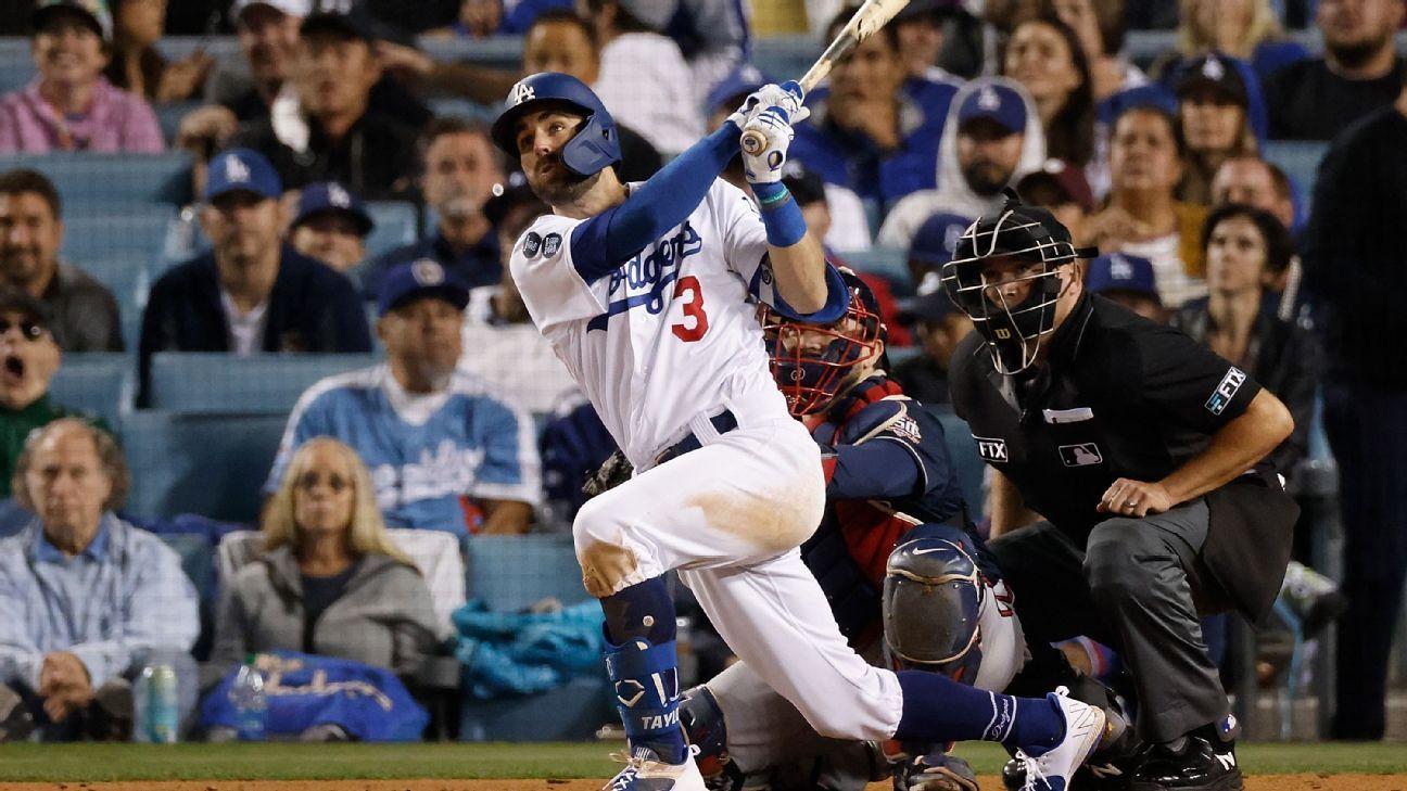 <div>Taylor: 'Surreal' to hit 3 HRs, keep Dodgers alive</div>